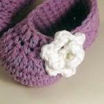 Rose Baby Booties - lavende..
