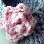 Rose baby booties - blue an..