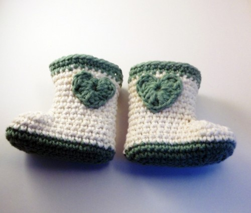 Crochet Heart Baby Booties green and ecru rain boot style