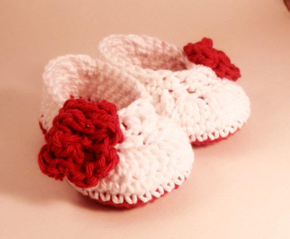 White baby bootie with red rose, crochet cotton