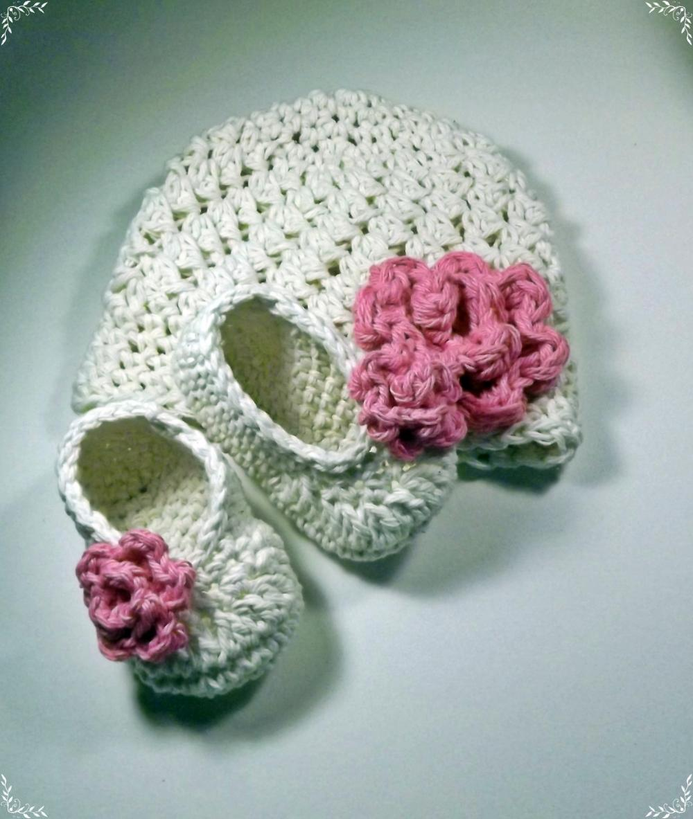 New Baby Gift antique ivory and pink hat and booties with rose size 0 to 3 months ready to ship